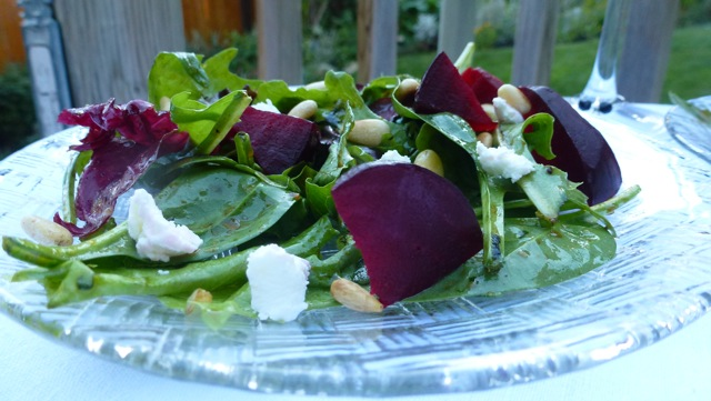 Salad with Beets, Goat Cheese and Pine Nuts