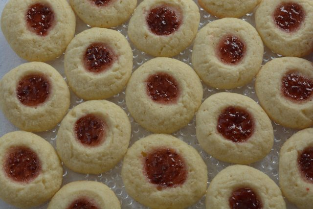 A plate of gluten free Thumbprint Cookies